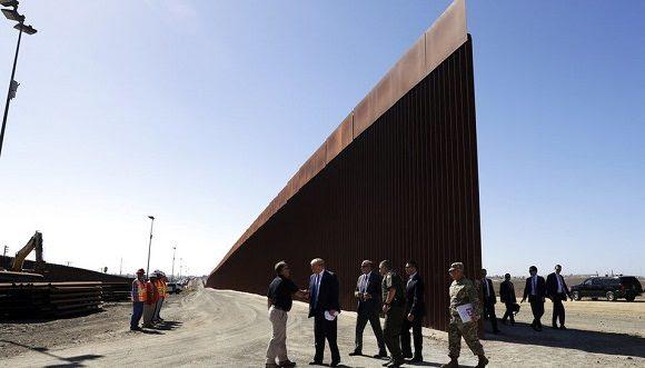 Trump informó que su Administración hab construido unos 386 kilómetros del nuevo muro en la frontera sur. Foto: Milenio