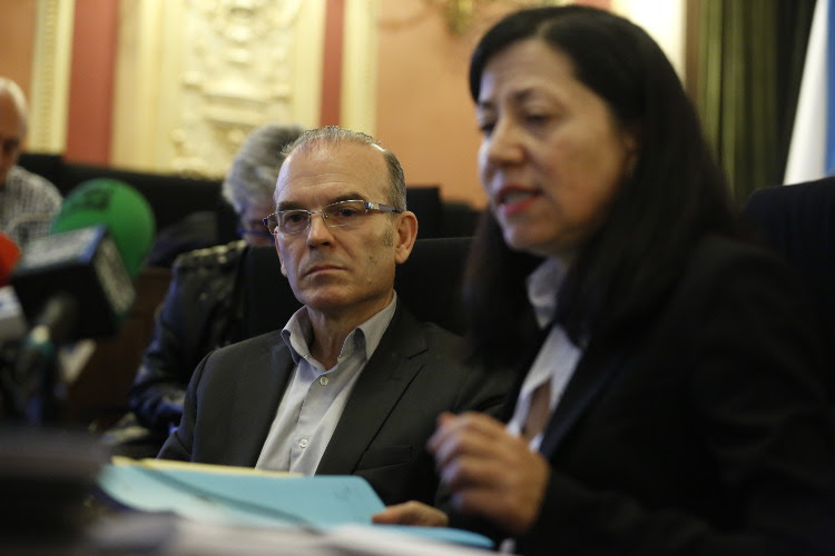 Vázquez Barquero y Áurea Soto, en un momento de la rueda de prensa de hoy. (XESÚS FARIÑAS)