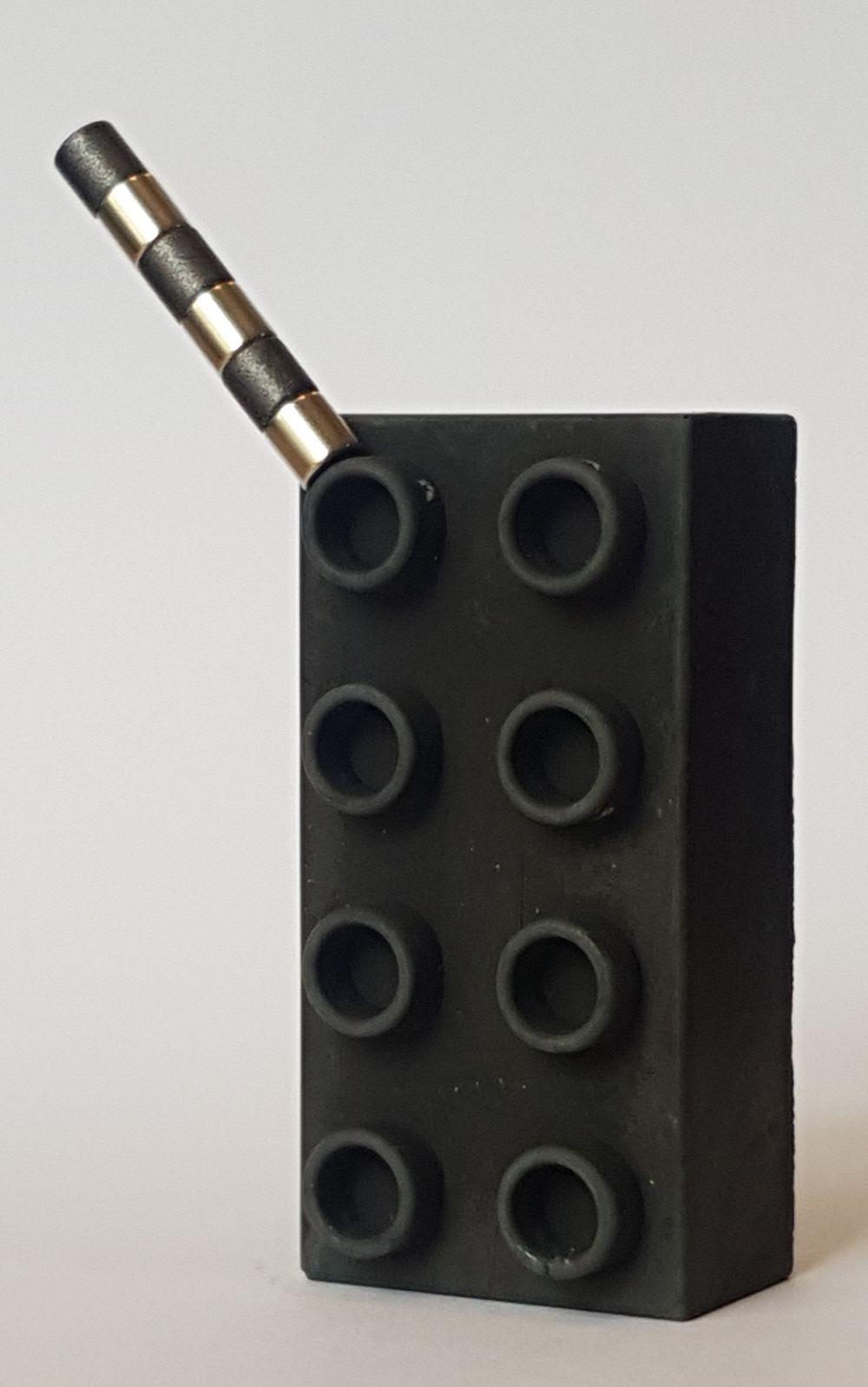 Magnetischer LEGO DUPLO Stein aus Beton