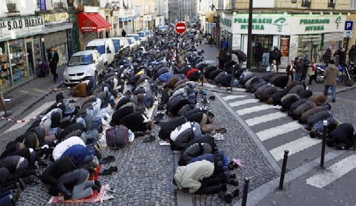 """Skirmishes"" as Mayor of Paris suburb tries to block Muslims screaming ""Allahu akbar"" from praying in the street"