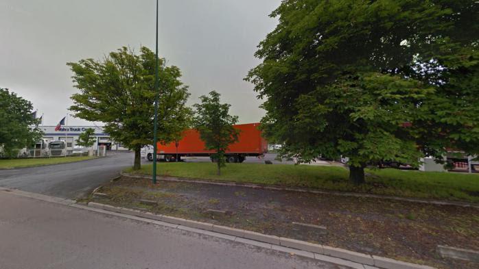 Reims : un homme arrêté alors qu'il broutait de l'herbe nu en pleine ville