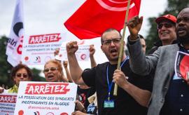 Рабочие Алжира продолжат забастовки