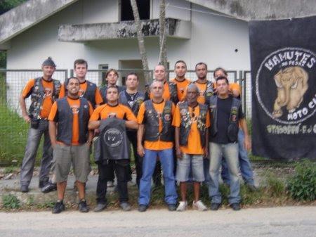 Foto com parte dos membros do Mamutes