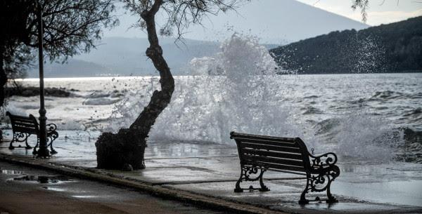 Καιρός: Άστατο το σκηνικό σήμερα - Πτώση της θερμοκρασίας και βοριάδες - Που θα βρέξει