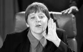 """Marion Van Renterghem : """"À 16 ans, Angela Merkel faisait partie du club des  filles non-embrassées"""" - Madame Figaro"""