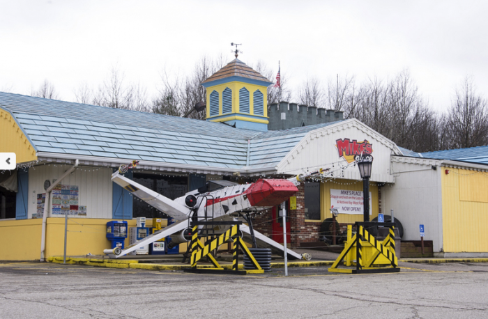 The Quirkiest Restaurant In Ohio That's Impossible Not To Love