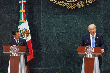 Donald J. Trump and President Enrique Peña Nieto held a joint press conference in Mexico City on Wednesday.