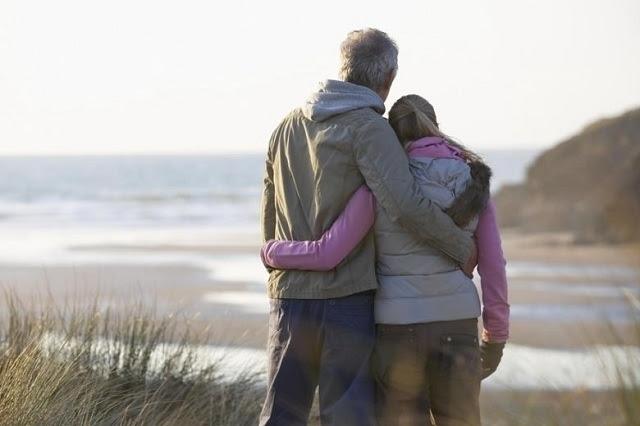 Vợ chồng yêu thương nhau, hãy cứ giả khờ mà bao dung hết thảy... - ảnh 2