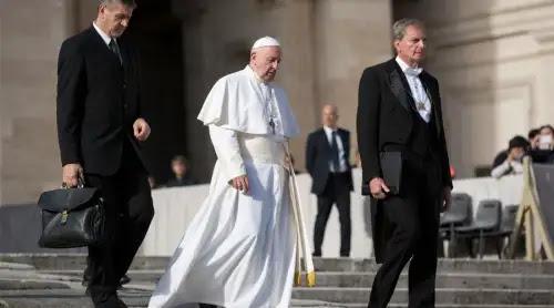 El Papa Francisco pide a los parlamentarios que trabajen por el bien común
