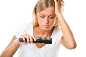 Podemos perder de 50 a 100 cabellos diariamente.
