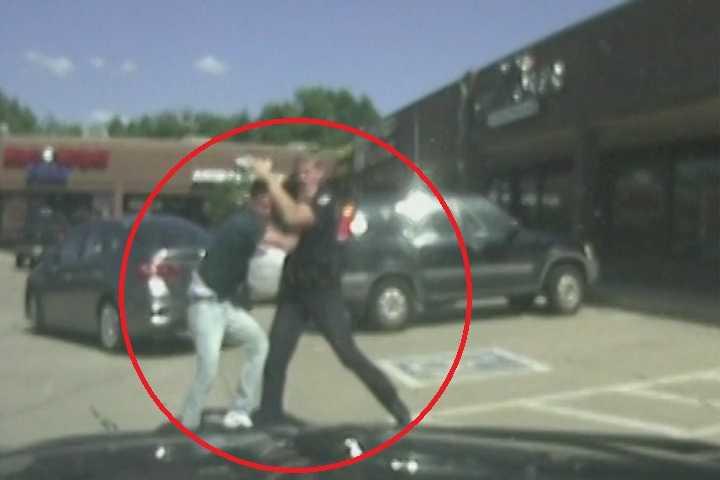 http://hips.htvapps.com/htv-prod-media.s3.amazonaws.com/images/fight-1472997910.jpg?resize=1200:%2a