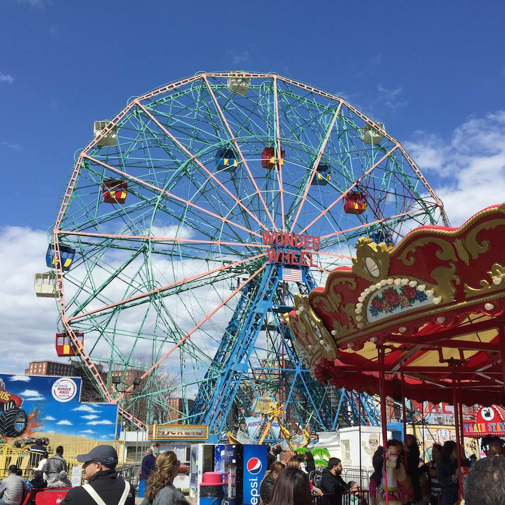 denos-wonder-wheel-amusement-park-coney-island-bk-original-wheel