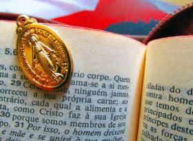 Cudowny medalik† św. Katarzyny – Pomoc duchowa