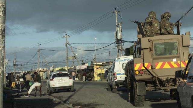 Número de mortos pela onda de violência na África do Sul sobe para 337