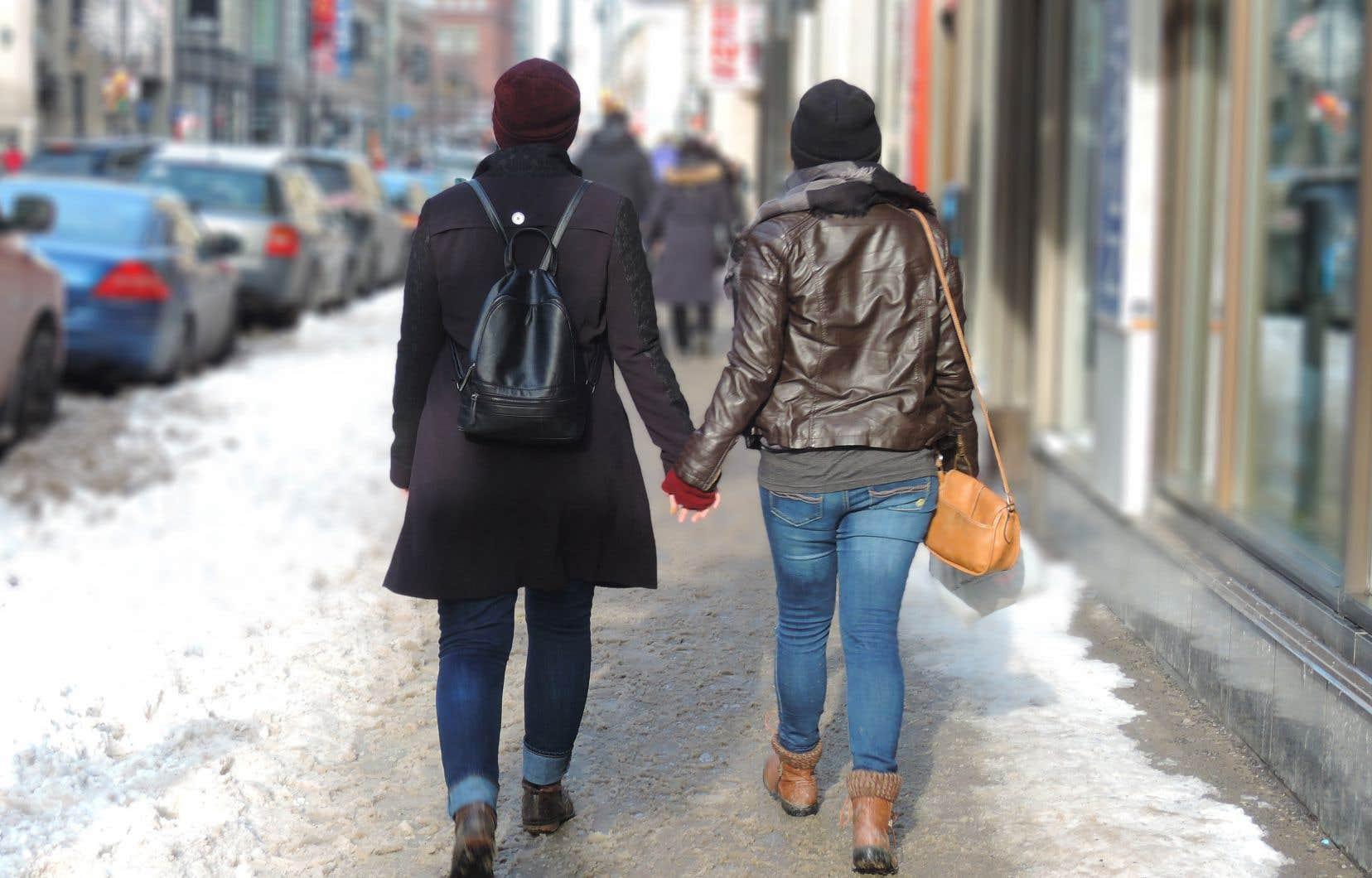 La liberté de religion est une liberté fondamentale, mais le mariage pour les personnes de même sexe ainsi que l'avortement en sont d'autres, souligne l'auteure.
