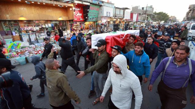 Maior ataque suicida em Bagdá em três anos mata ao menos 32 pessoas