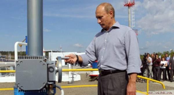 Tổng thống Nga Vladimir Putin sẽ còn phải đau đầu vì giá dầu giảm.