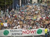 Jóvenes de Alemania, Argentina, España y diversas partes del mundo reclaman este viernes una mayor acción de los Gobiernos para reducir el impacto del cambio climático.