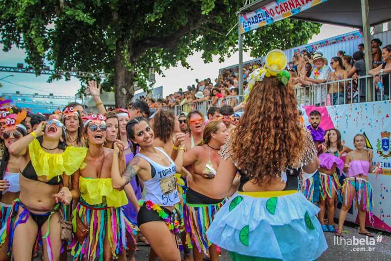 Bloco Tirando a Kraca no Banho da Doroteia - Carnaval em Ilhabela
