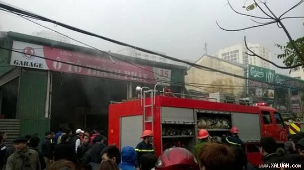 Toàn cảnh vụ cháy gara ô tô