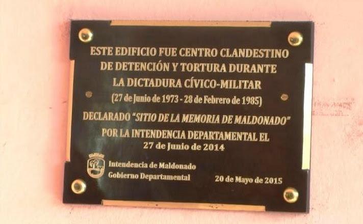 """Con esta placa se declara al Paseo San Fernando como """"Sitio de la Memoria"""""""
