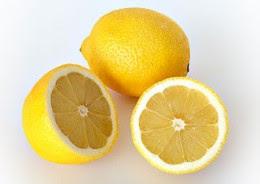 Ngoài việc là một nguồn cung cấp vitamin C, chanh có đặc tính kháng ung thư.