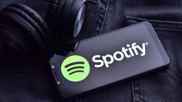 Em meio a disputa judicial, os discos de João Gilberto entram e saem do Spotify