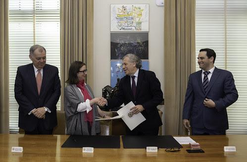 OEA y Colombia firman acuerdo para realizar la XLIX Asamblea General del organismo en Medellín
