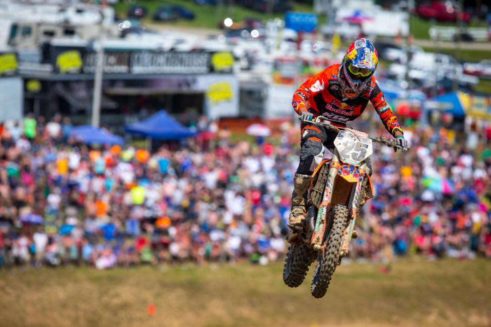 Musquin broke Tomac's moto winning streak, but had to settle for a runner-up finish.
