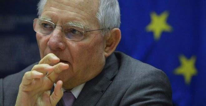 El ministro alemán de Finanzas, Wolfgang Schaeuble, asiste a una reunión en Bruselas. / STEPHANIE LECOCQ / EFE