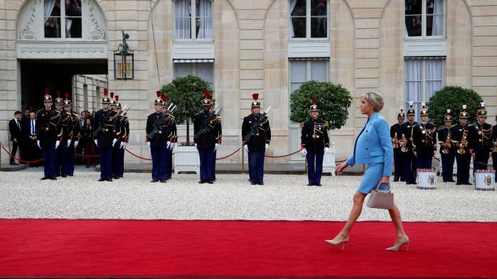 Ve République : le rôle des Premières dames