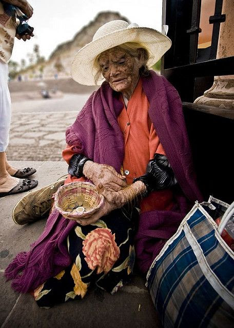 Old lady in Zacatecas | Mexican culture, Mexico history, Old women