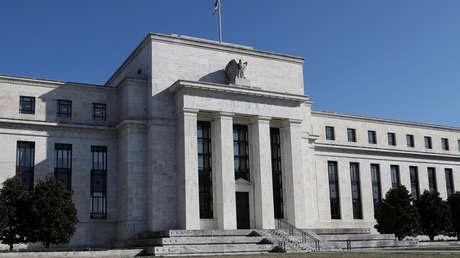 """La Reserva Federal señala la """"drástica y abrupta"""" contracción de la economía de EE.UU."""