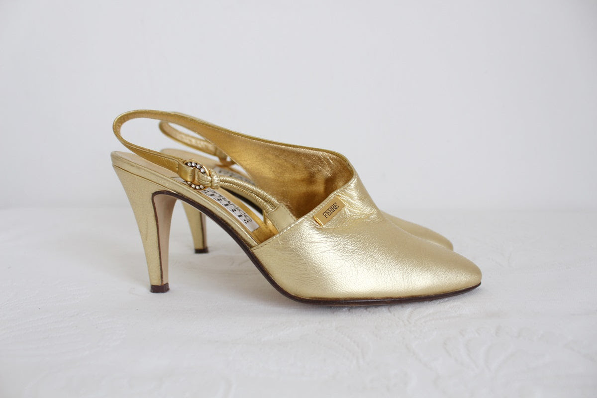 GIANFRANCO FERRE VINTAGE GOLD LEATHER HEELS - SIZE 2