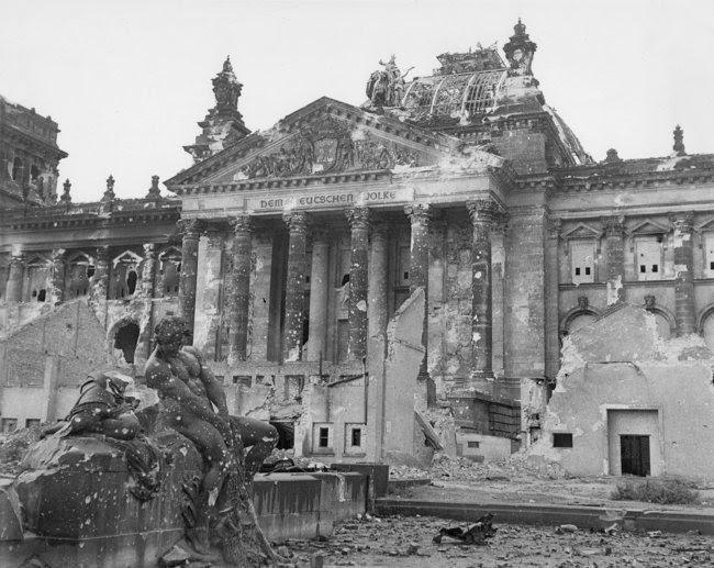 Фальсификация истории войны: почему повесился герой, первым установивший флаг над Рейхстагом? 03