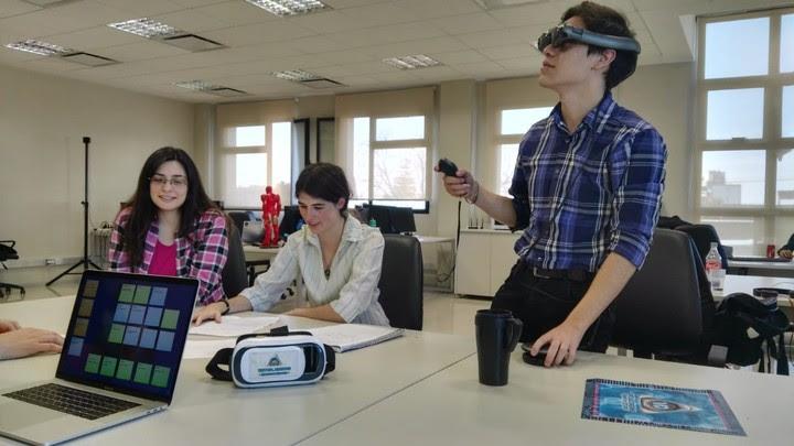 Centro de Desarrollo e Investigaciones Tecnológicas. Laboratorio donde los estudiantes hacen proyectos bajo la dirección de las empresas, en la Universidad de La Matanza.
