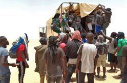 Abandonados en mitad del desierto: el método de Argelia para evitar que los migrantes lleguen a Europa