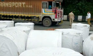 Pune-Mumbai Expressway   A large reel of paper from the trailer fell on the car, killing one; Traffic congestion in the ghats