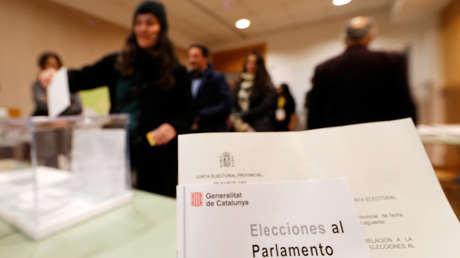 Votaciones en un colegio electoral en Sant Cugat del Valles (Cataluña). 21 de diciembre de 2017.