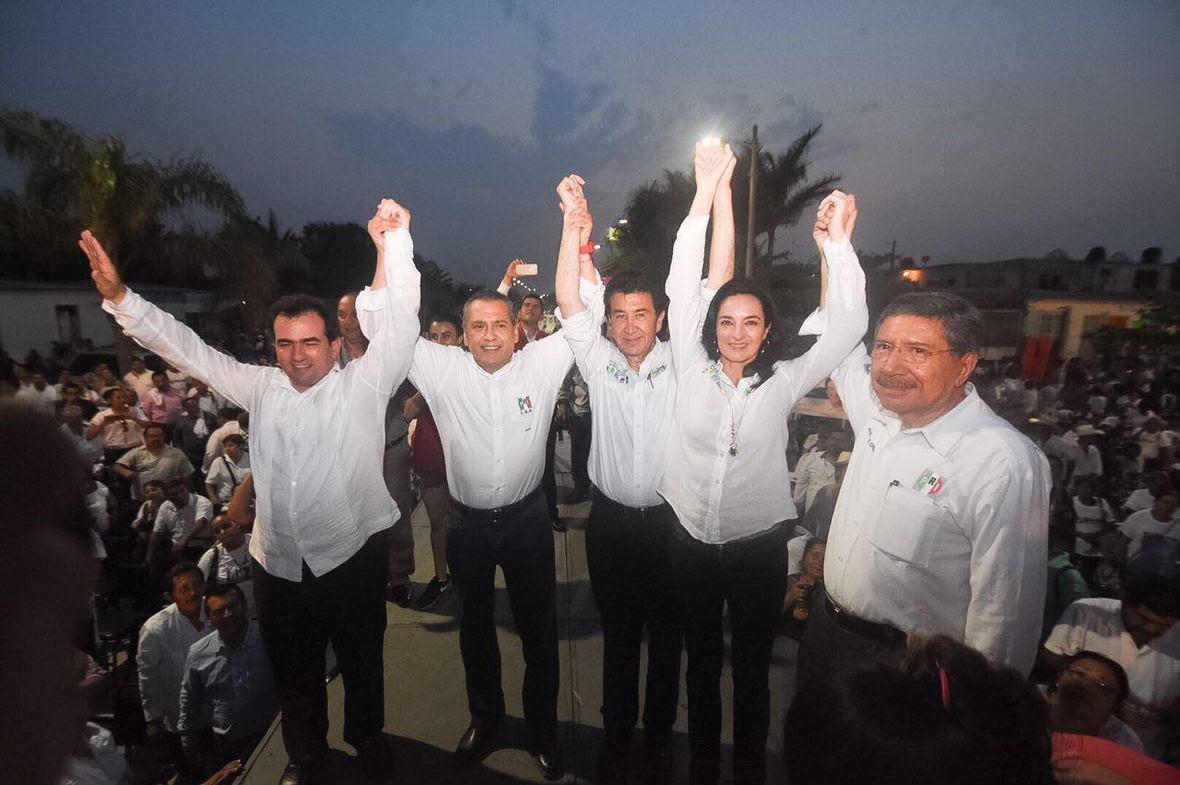 Hector Yunes Landa en reunion con comunidad boquena  25-04-2016-06