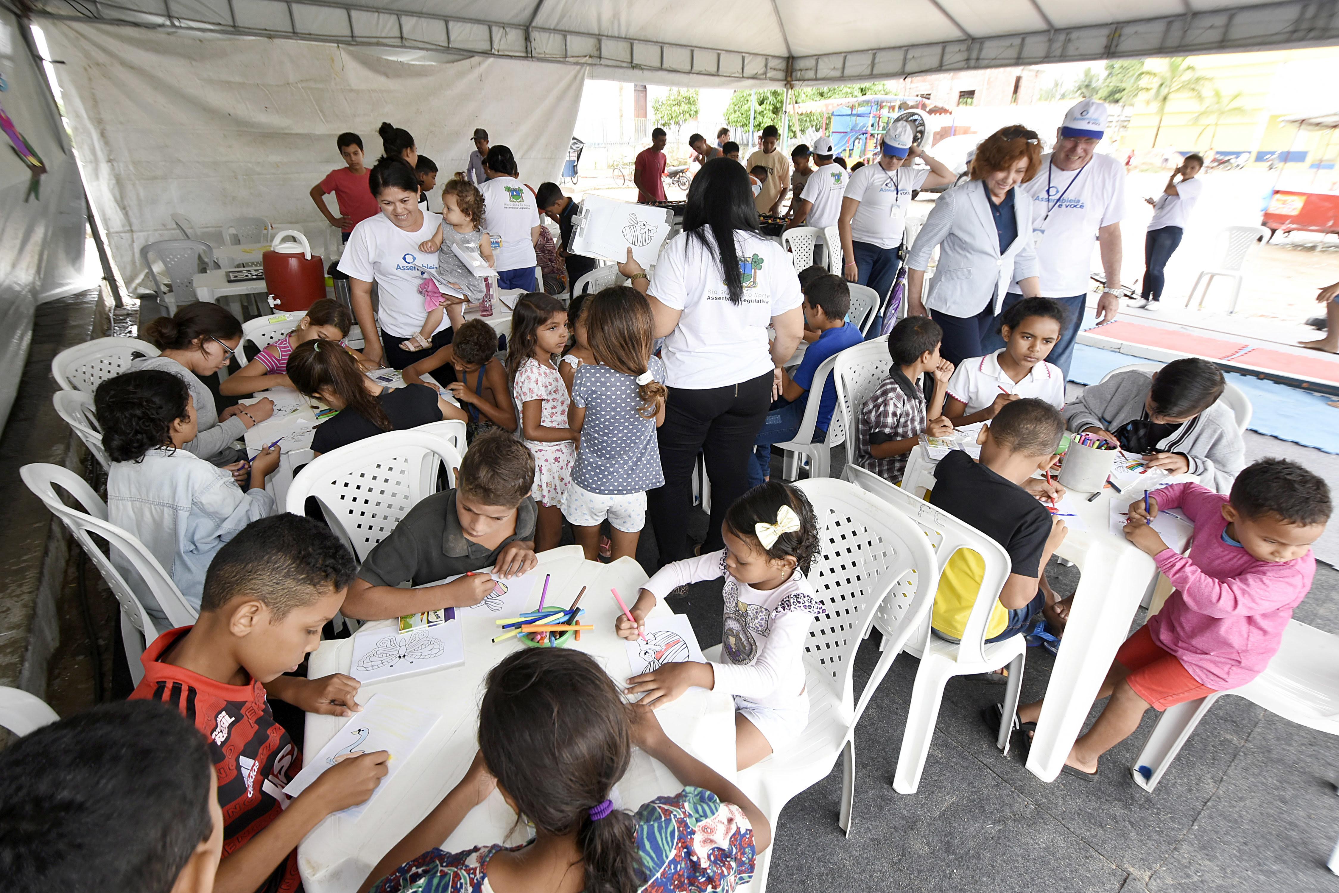 Resultado de imagem para Cerca de oito mil pessoas são beneficiadas com ações do Assembleia e Você em João Câmara