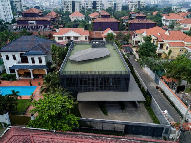 ….bởi thiết kế vừa sang trọng bậc nhất đất nước Việt Nam, vừa mang lại cảm giác ấm cúng cho người sinh sống bên trong ngôi nhà.