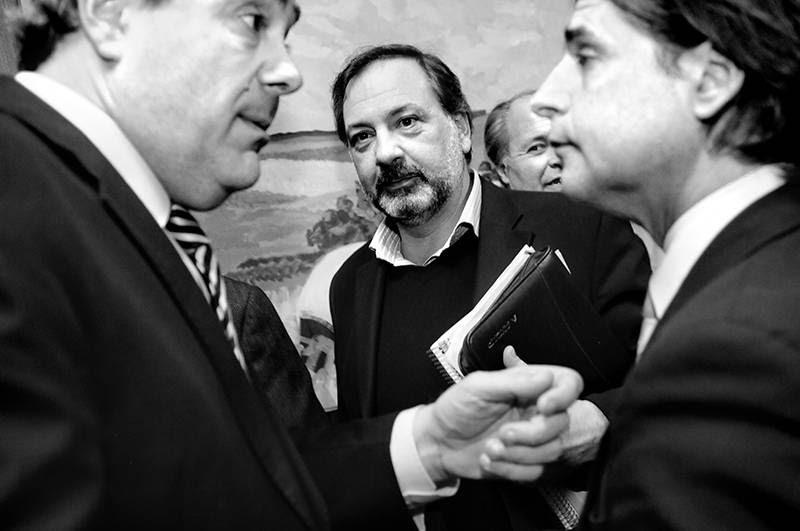 Pablo Abdala, Jorge Gandini, Pablo Iturralde y Luis Lacalle Pou durante la reunión de la agrupación parlamentaria Nacionalista, ayer en el edificio Artigas. / Foto: Javier Calvelo