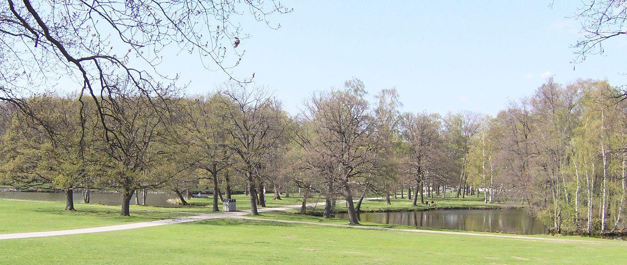 Engelska_parkdelen,_Drottningholms_slott,_Stockholm (1)