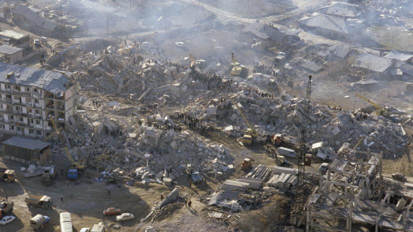 Una ciudad desapareció en 30 segundos: Fotos del devastador sismo que sacudió Armenia hace 30 años