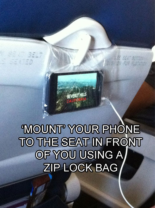 how-to-hang-your-phone-on-a-flight-life-hack
