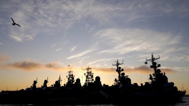 Depois de críticas da Otan, Rússia leva ao mar 2 de suas 4 frotas navais