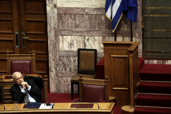 To sms που έφερε την παραίτηση Παπαδημήτριου
