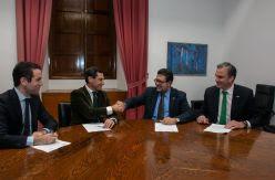 Casado aplica en Andalucía el modelo de Esperanza Aguirre en sanidad y educación