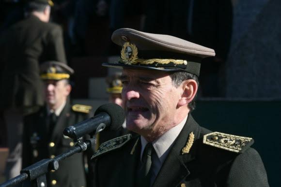 Guido Manini Ríos en su discurso por el aniversario del Ejército Nacional. Foto: Francisco Flores.